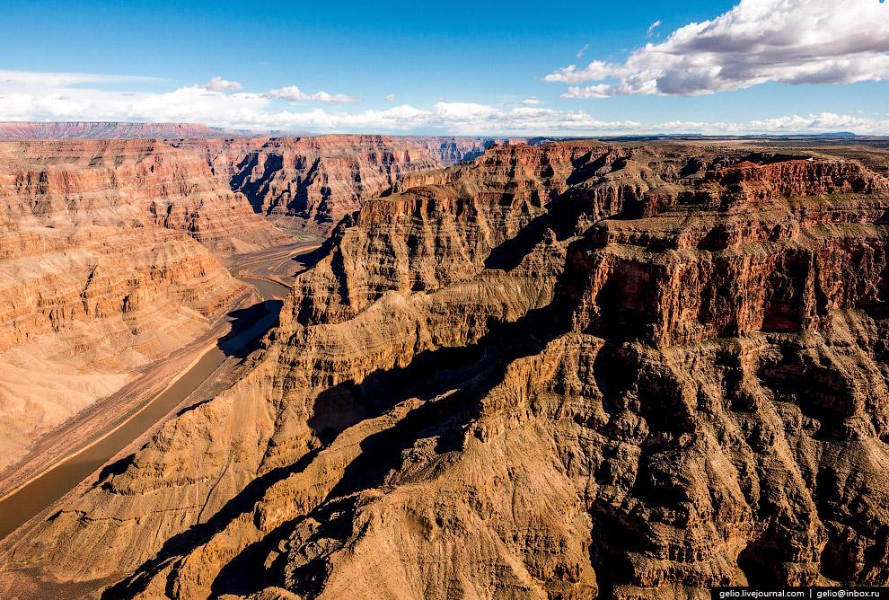 4. Большой каньон по своей глубине (до 1800 метров) более чем втрое уступает каньону Кали Ганда