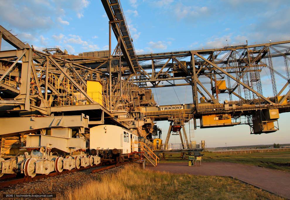 5. Высота моста составляет 80 метров, ширина — 240 метров при длине 502 метра. Впечатляющие габ