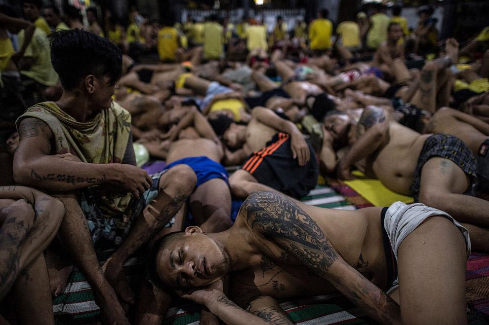 3. Филиппинские тюрьмы являются наиболее перегруженными в мире. В среднем, в них содержатся в 5