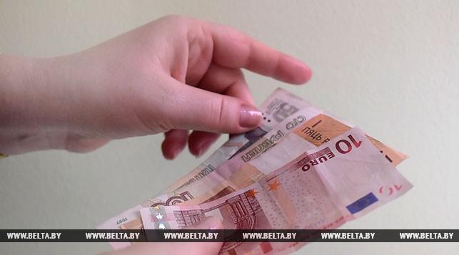 За2016 год белорусы продали 2,4 млрд  долларов чистыми