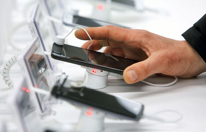 Объем продаж телефонов в РФ в 2016 превысил 329 млрд руб