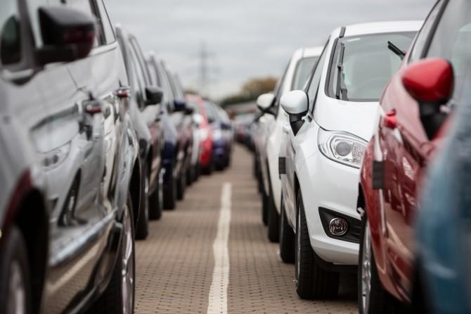 Продажи машин в РФ упали на4,1%