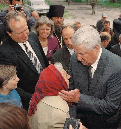 У Ельцина не было двух пальцев