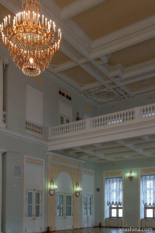 Большой зал, дом Пашкова