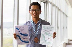 студент ДВФУ-победитель конкурса по математике.jpg