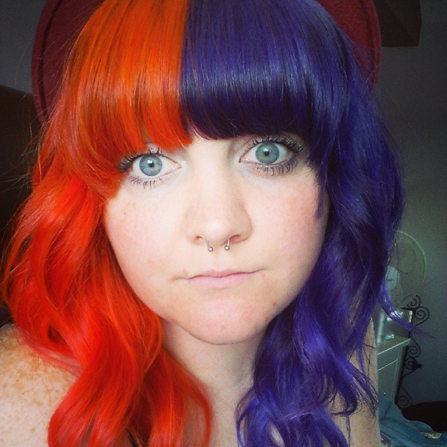 Разных цветов волосы