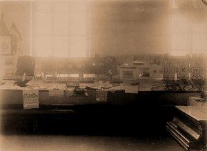 Вид части экспозиции с работами воспитанников  Троицесавского приюта Петровско-заводского начального училища.