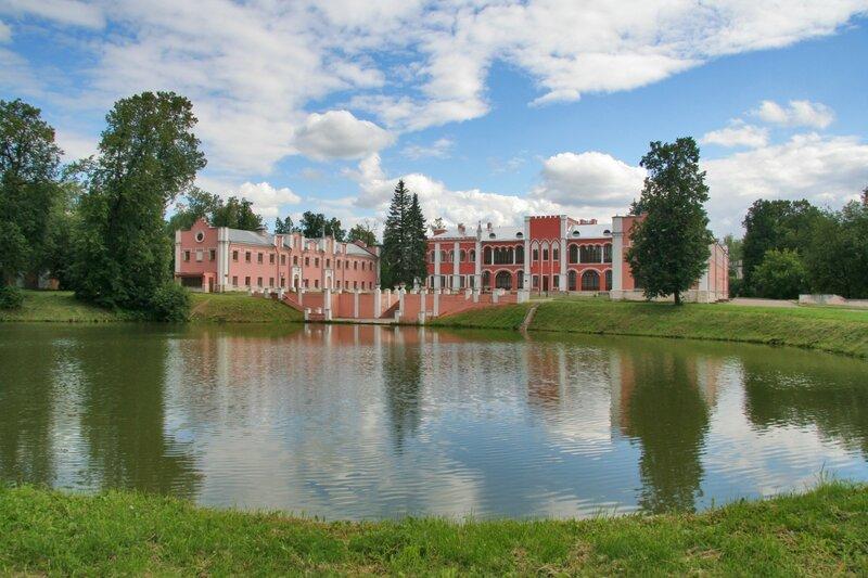 усадьба Марфино, Дворец и пруд