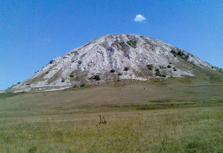 Гора Тратау