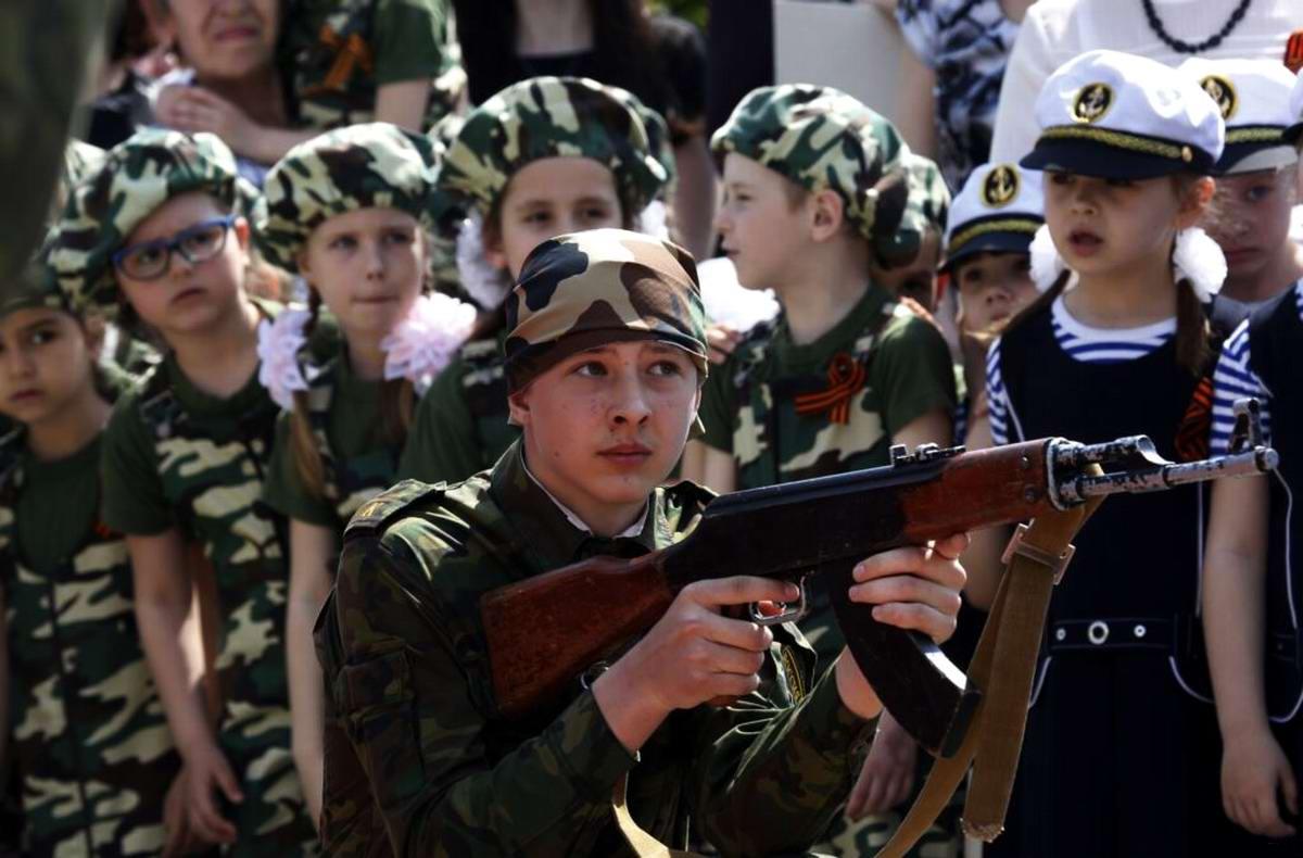 Между правдой и ложью: Про Парад детских войск в Ростове-на-Дону (25)
