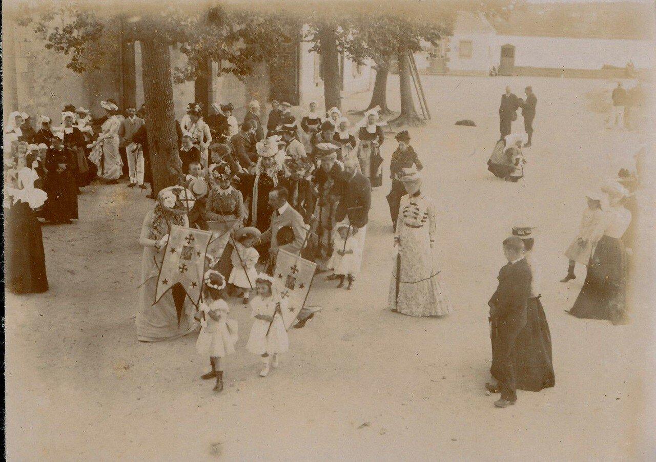 1900. Беноде. Праздничный день