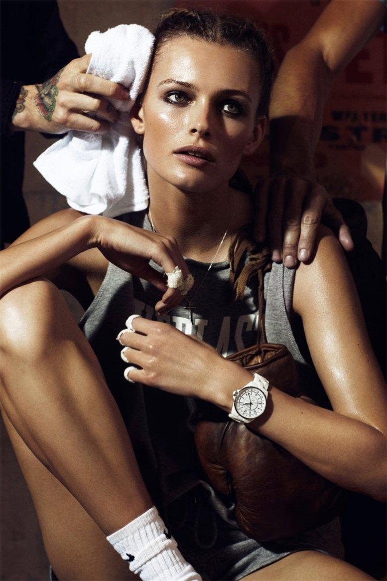 Edita Vilkeviciute / Эдита Вилькевичуте в журнале Vogue Paris Франция, апрель 2012 / фотограф Lachlan Bailey