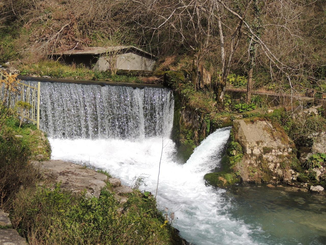Абхазия Новый Афон Парк плотина 1903 года 14 марта 2015 г., 16-42.JPG