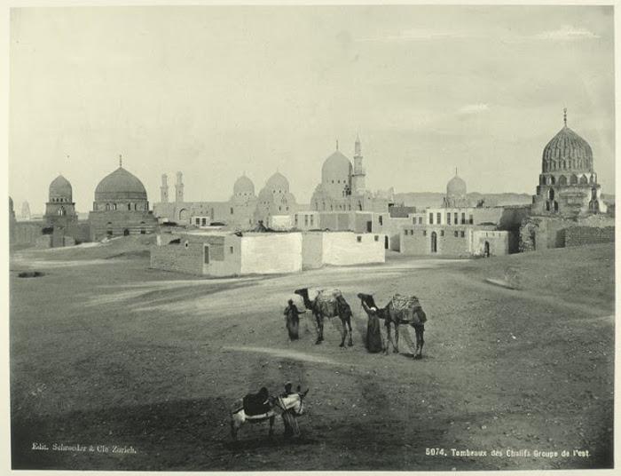 Место захоронения халифов, Каир. Халифами назывались правители у мусульман. Это был самый высокий ти