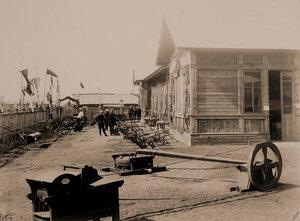 Экспонаты выставки - сельскохозяйственные орудия и машины.