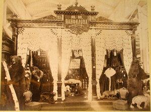 Витрина с экспонатами Я.И. Панфилова в Сибирском отделе выставки.