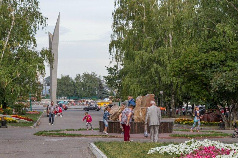 """Композиция """"Камни Солнца и Любви"""", монумент Славы, Пенза"""