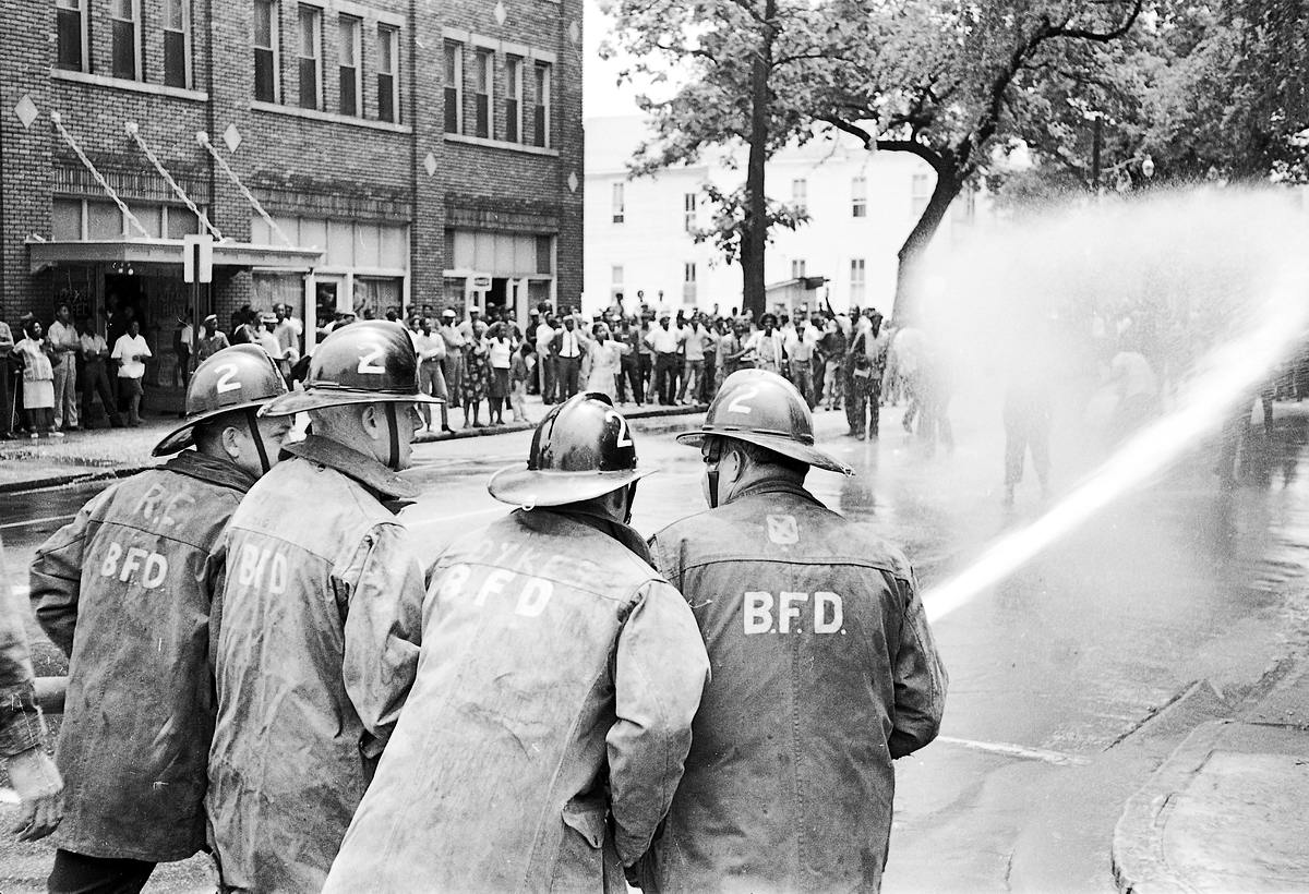 the civil rights movement birmingham 1963 Like during the civil rights movement, peaceful nfl protesters have exposed the mean-spirited bigotry of america find this pin and more on history by catie civil rights protesters being hosed by firefighters in birmingham, alabama, 1963.