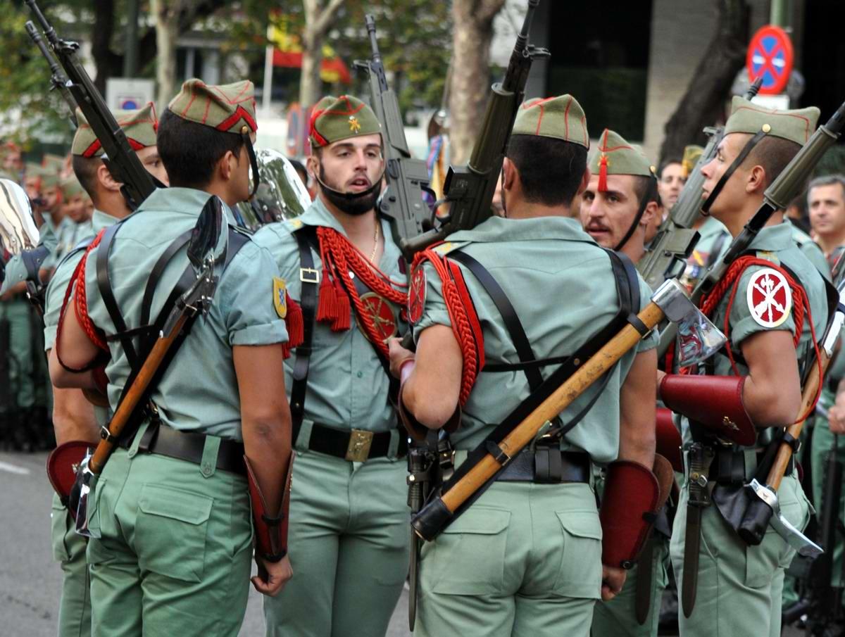 Про козла на веревочке и другие атрибуты Испанского легиона (28)