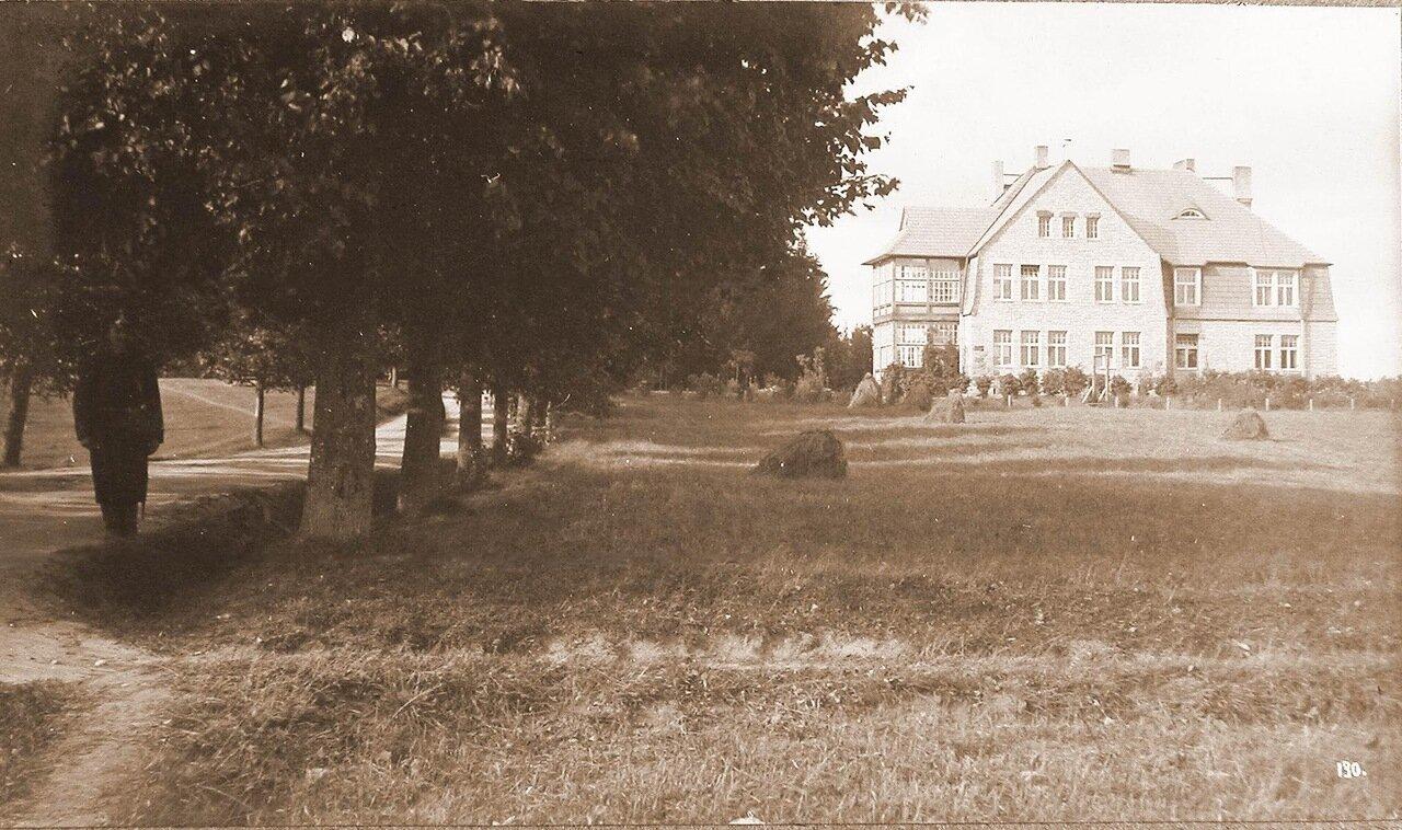 17.Вид дома, где размещалась интендантская часть этапно-хозяйственного отдела штаба XII армии