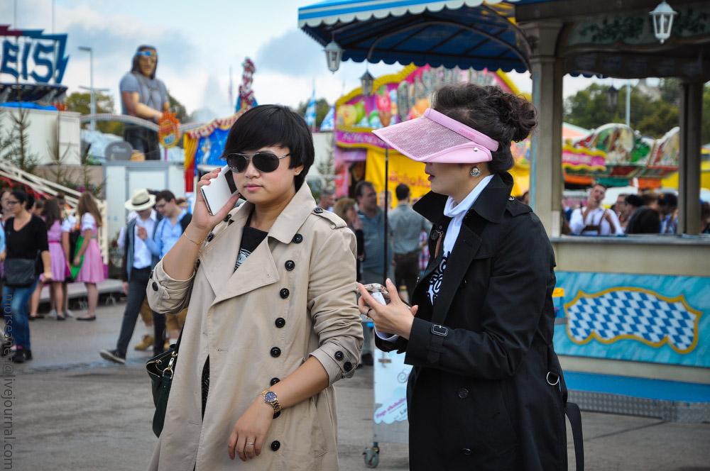 Женские выпуклости и впадины на Октоберфесте girls-Oktoberfest-(5).jpg