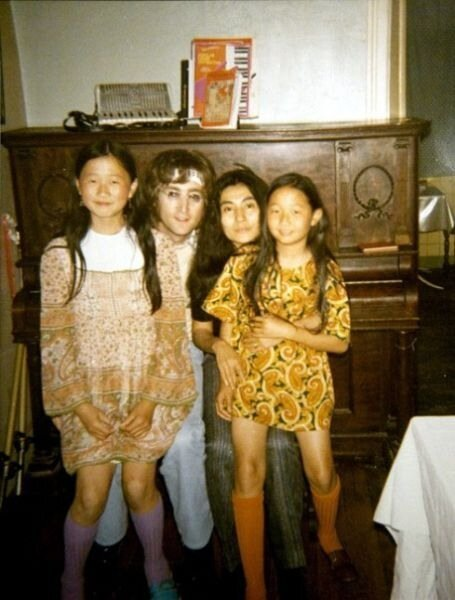 Lennon-Ono family with unknown girls