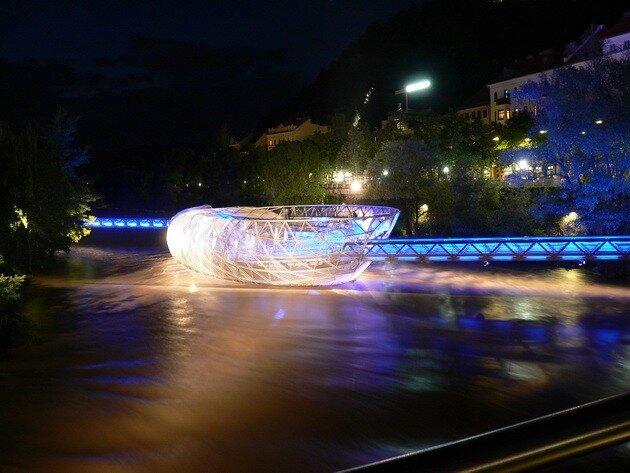 Murinsel - мост в Граце