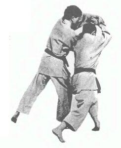 Сюмацу доса - «фиксирующее движение»