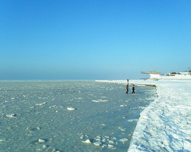 Лёд на море