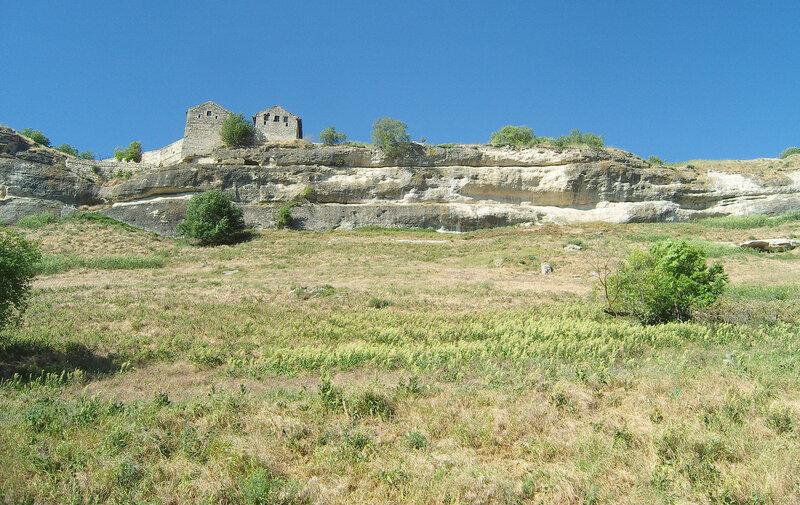 остатки крепости Чуфут-Кале