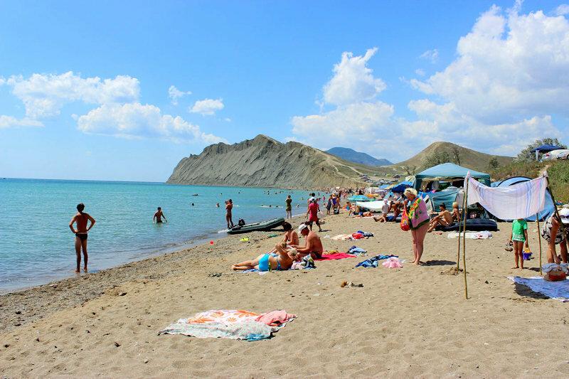 Где лучшие пляжи Крыма - близ Севастополя и Феодосии