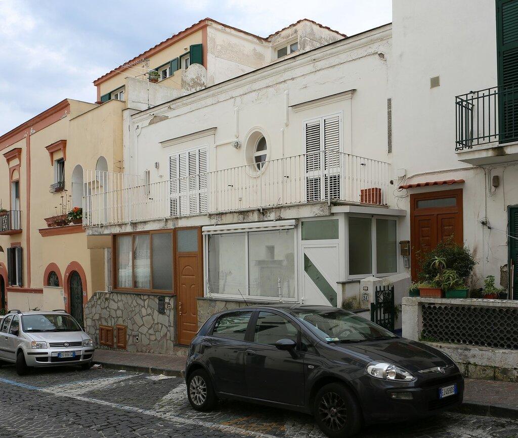 Корсо Витториа Колонна (Corso Vittoria Colonna), Искья-Потро