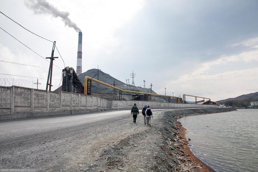 5. Карабашский пруд первым впитывает в себя грязнейшие отходы. Печальное зрелище.