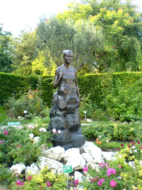 Bronze statue of Princess Grace in rose garden of same name in Fontvieille, Monaco, sculpted by Kees Verkade
