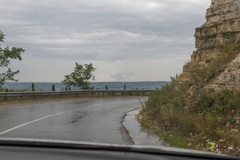 Дорога вдоль скалы, Жигули
