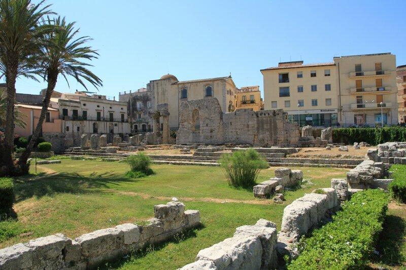 Сицилия, Сиракузы,руиныХрамаАполлона