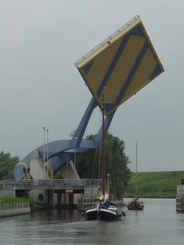 Подъемный мост Слауэрхоф (Slauerhoff). Леуварден, Нидерланды