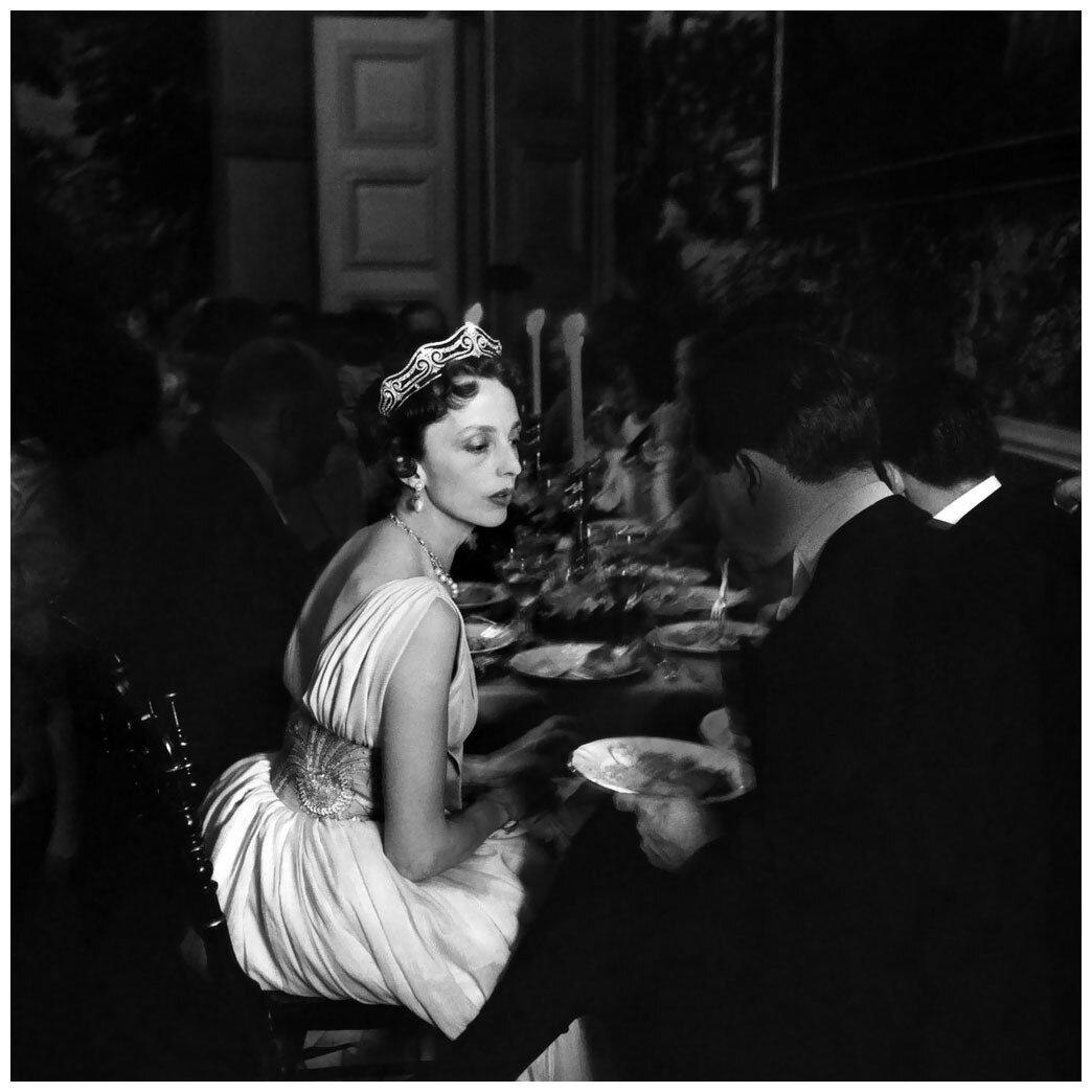 1957. Графиня де Бурбон-Буссе. Замок Груссе