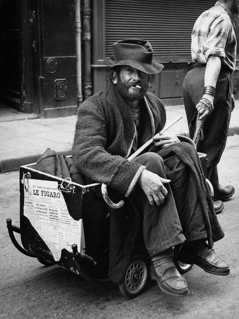 1955. Барон Уильям и его лакей