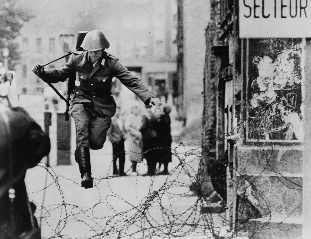 The Berlin Wall, 25 Years After the Fall280.jpg