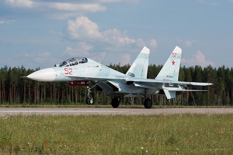 Сухой Су-27УБП (RF-90754 / 52 красный) D806516e