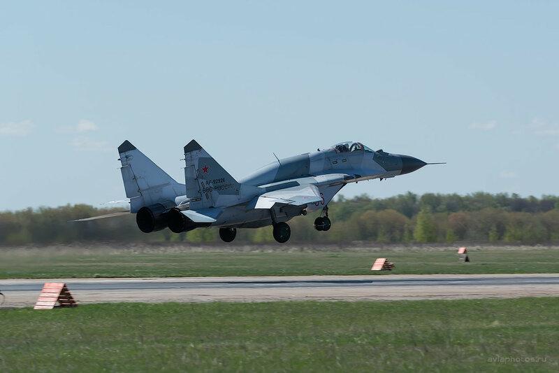 Микоян-Гуревич МиГ-29СМТ (RF-92926 / 06 красный) D807940
