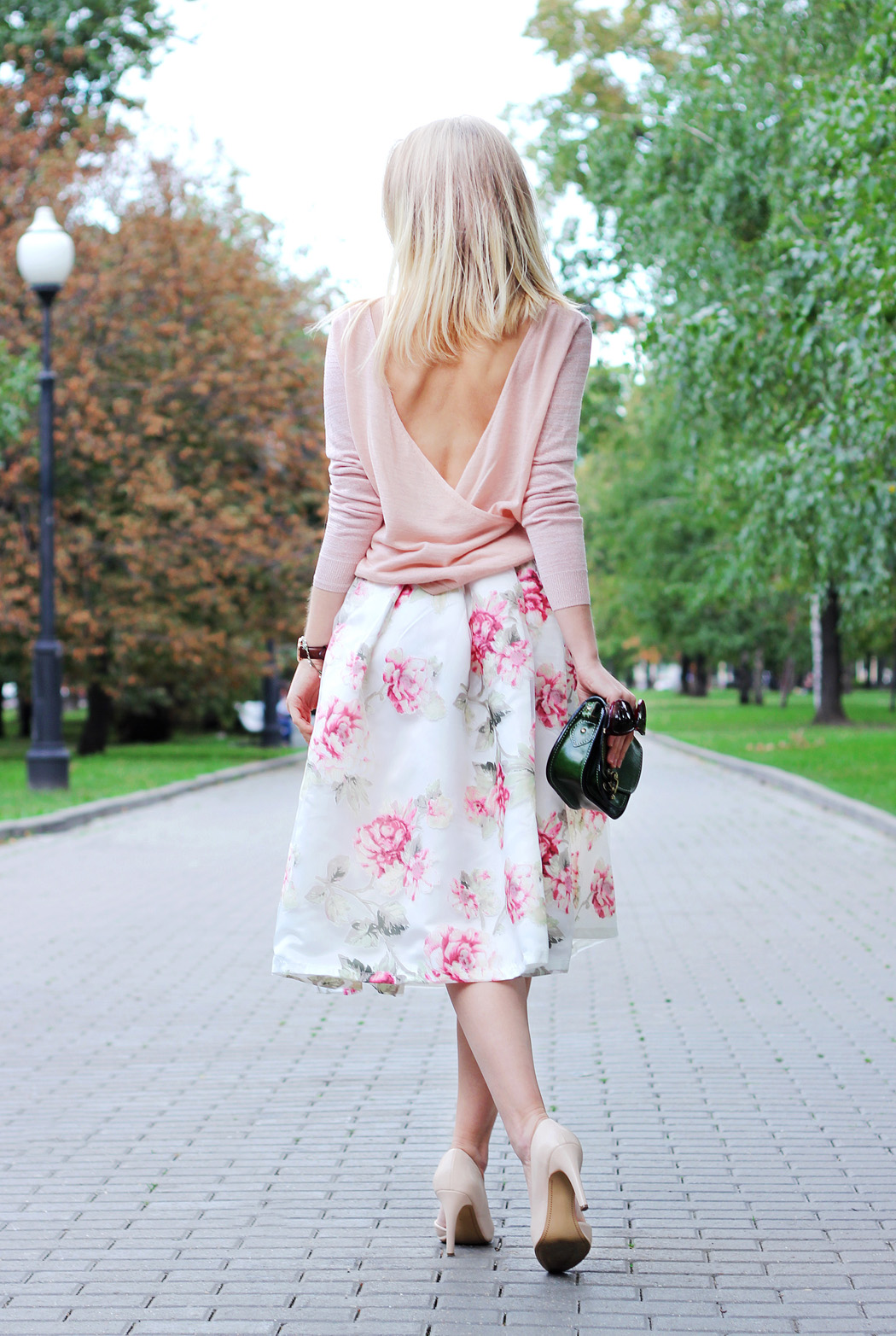 inspiration, streetstyle, summer outfit, summer streetstyle, annamidday, top fashion blogger, top russian fashion blogger, фэшн блогер, русский блогер, известный блогер, топовый блогер, russian bloger, top russian blogger, streetfashion, russian fashion blogger, blogger, fashion, style, fashionista, модный блогер, российский блогер, ТОП блогер, ootd, lookoftheday, look, популярный блогер, российский модный блогер, annamidday, top russian blogger, summer look,  russian girl, с чем носить миди юбку, миди юбка, midi skirt, girly, daniel wellington, asos, chicwish