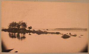Вид части озера в окрестностях имения.