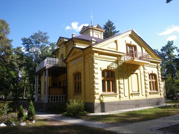 Бывшая дача графини Натальи Уваровой в Ворзеле