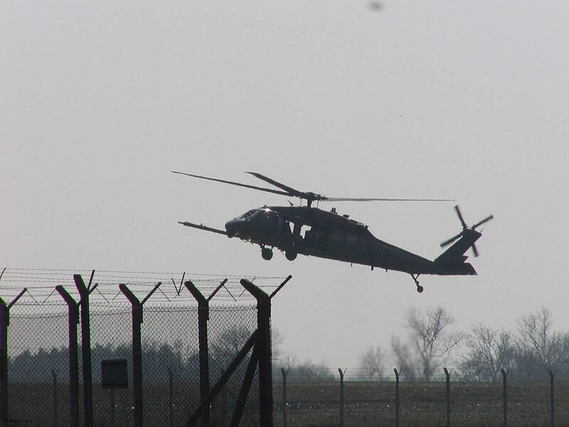 """Вертолет UH-60 """"Черный ястреб """" (Sikorsky S-70)"""
