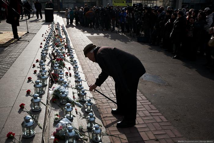 0_b3800_43a854dc_orig В Москве почтили память жертв Норд-Оста (фото)