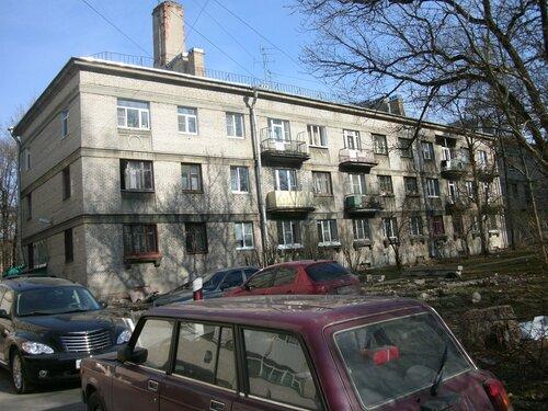 Гданьская ул. 22