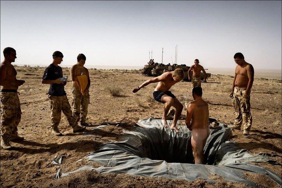 Солдаты в бане смотреть