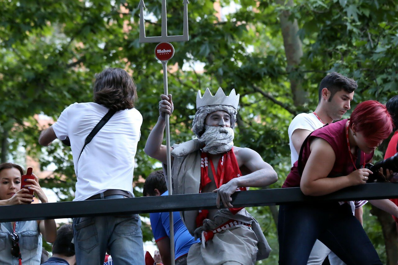 Атлетико-Мадрид - чемпион Испании 2014. Праздник на площади Канавас дель Кастильо